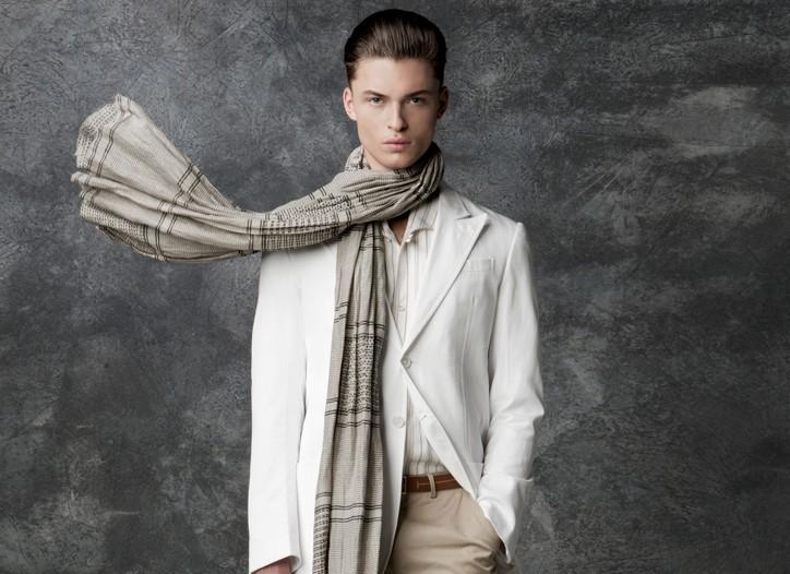 Coach's bag. Gianfranco Ferré's cotton jacket and silk shirt and Dunhill's cotton pants. A Peace Treaty scarf; Ermenegildo Zegna belt; Gianfranco Ferré shoes.