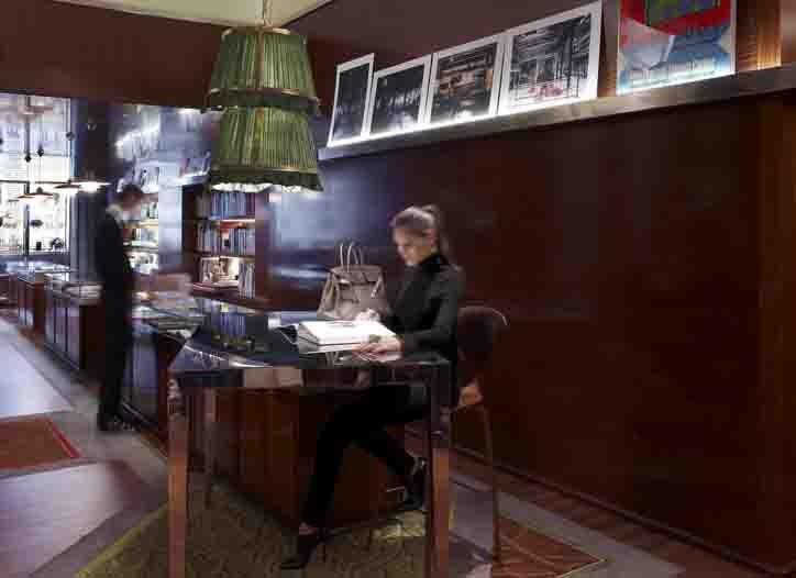 La Librairie des Arts, the art bookshop of Le Royal Monceau