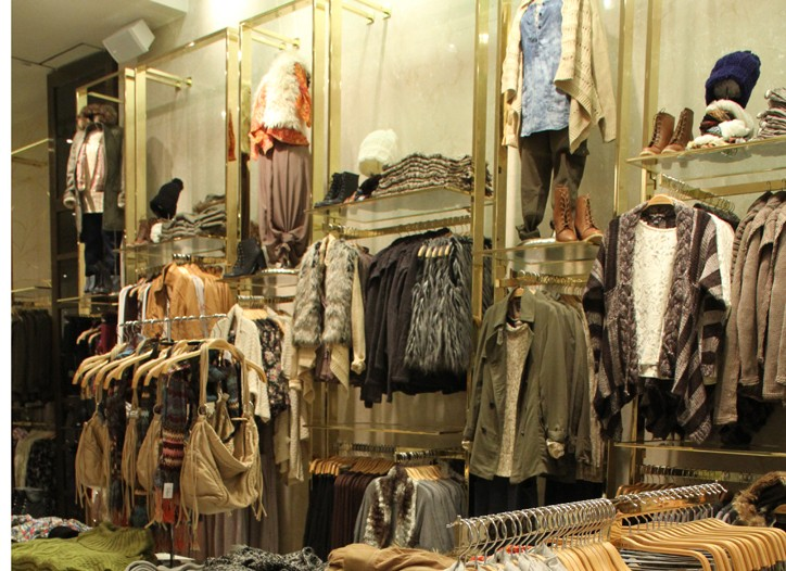 Looks inside Forever 21 on Fifth Avenue.