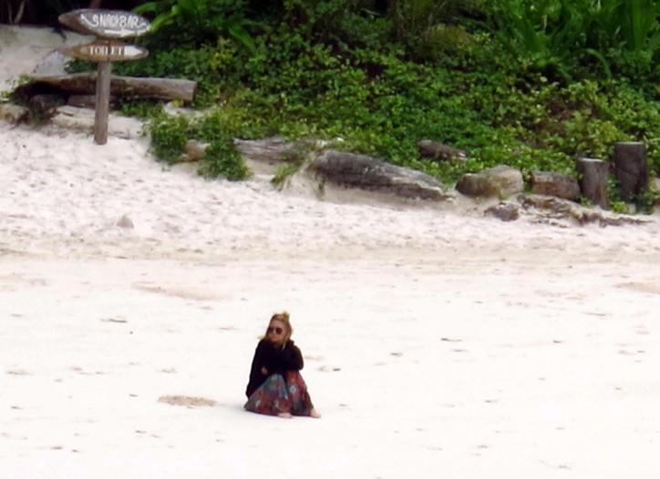Ashley Olsen on the beach