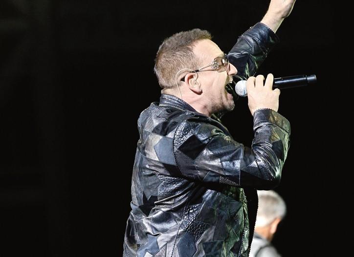 Bono in Rock & Republic.