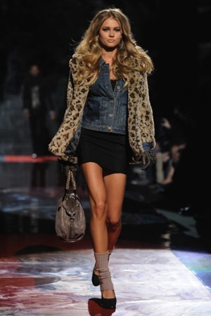 A runway look from Guess.