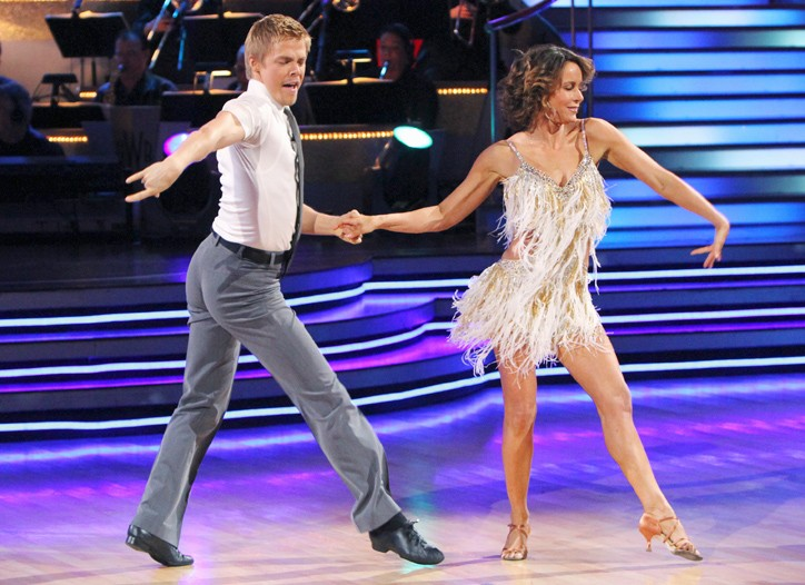 """Jennifer Grey opted for gold-dusted legs in """"Dancing With the Stars"""" with Derek Hough."""