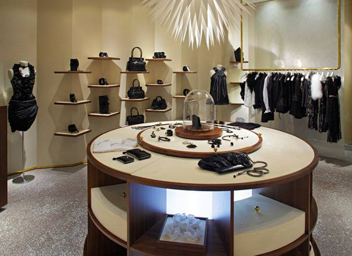 Anne Fontaine store.