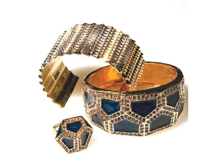 Items from Rachel Leigh.