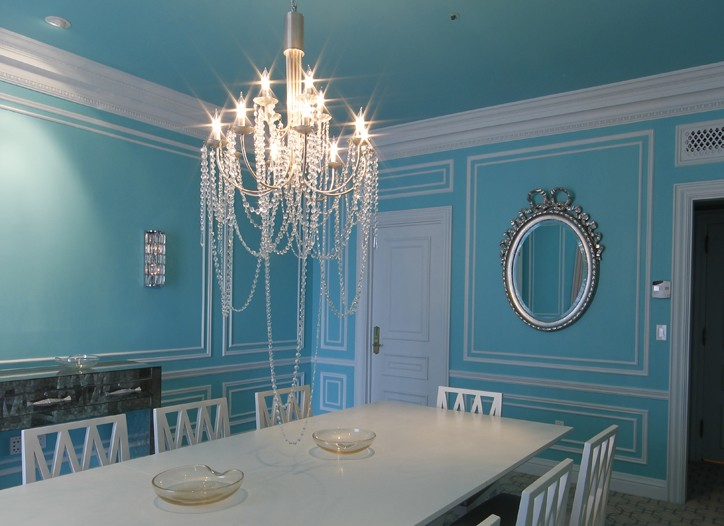 The dining room was designed to resemble a signature Tiffany blue box, with the crown jewel being the shimmering and sparkling crystal chandelier.