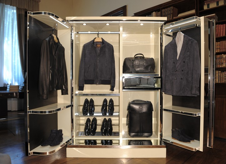 Tod's wardrobe-style display for spring.