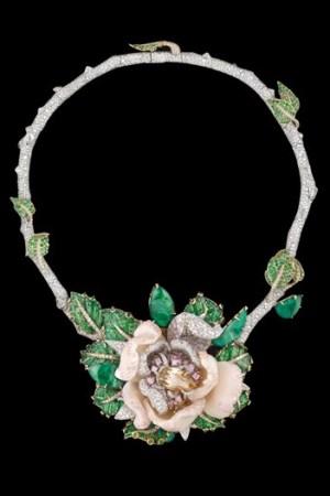 Dior necklace.