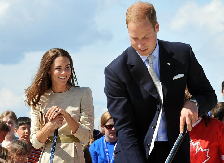 The Duke and Duchess of Cambridge try their hand at street hockey in Canada.