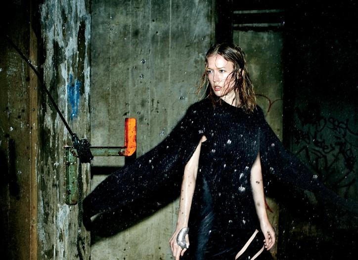 Raquel Zimmermann in the Alexander Wang video.