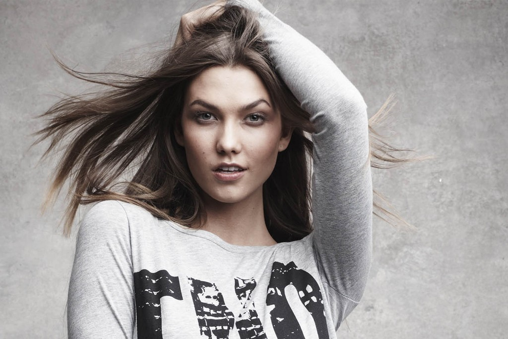 Karlie Kloss in this year's Fashion's Night Out shirt.