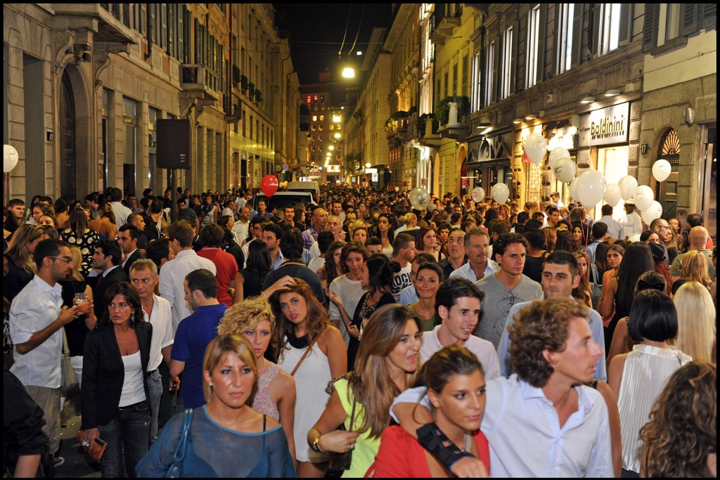 The crowded Via Montenapoleone