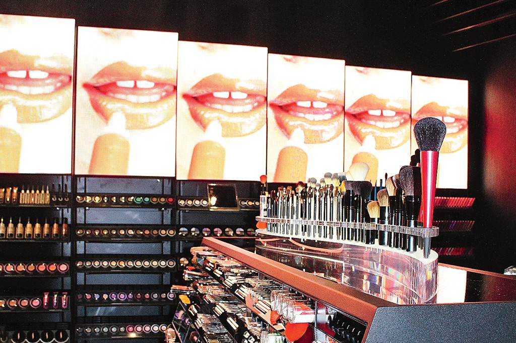 The 27 Ninth Avenue Sephora is a state-of-the-art beauty retailing in Manhattan's trendiest shopping district.