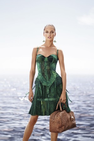 A visual from Bottega Veneta's spring-summer 2012 ad campaign.