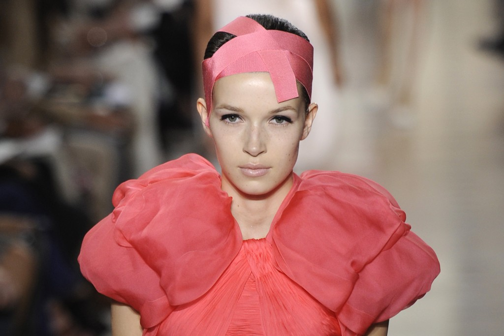 A fall look from Giambattista Valli Haute Couture.