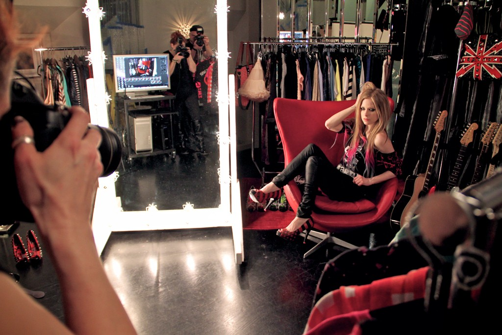 A look behind-the-scenes of Avril Lavigne's shoot for JustFab.