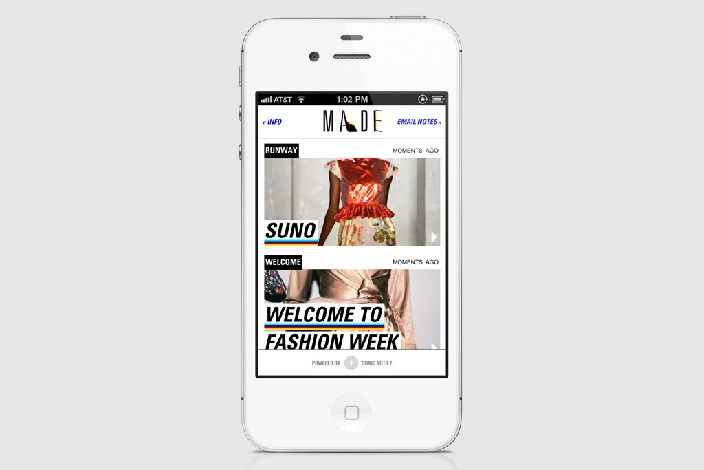 The app allows users to tweet, email and take notes on looks in real time.