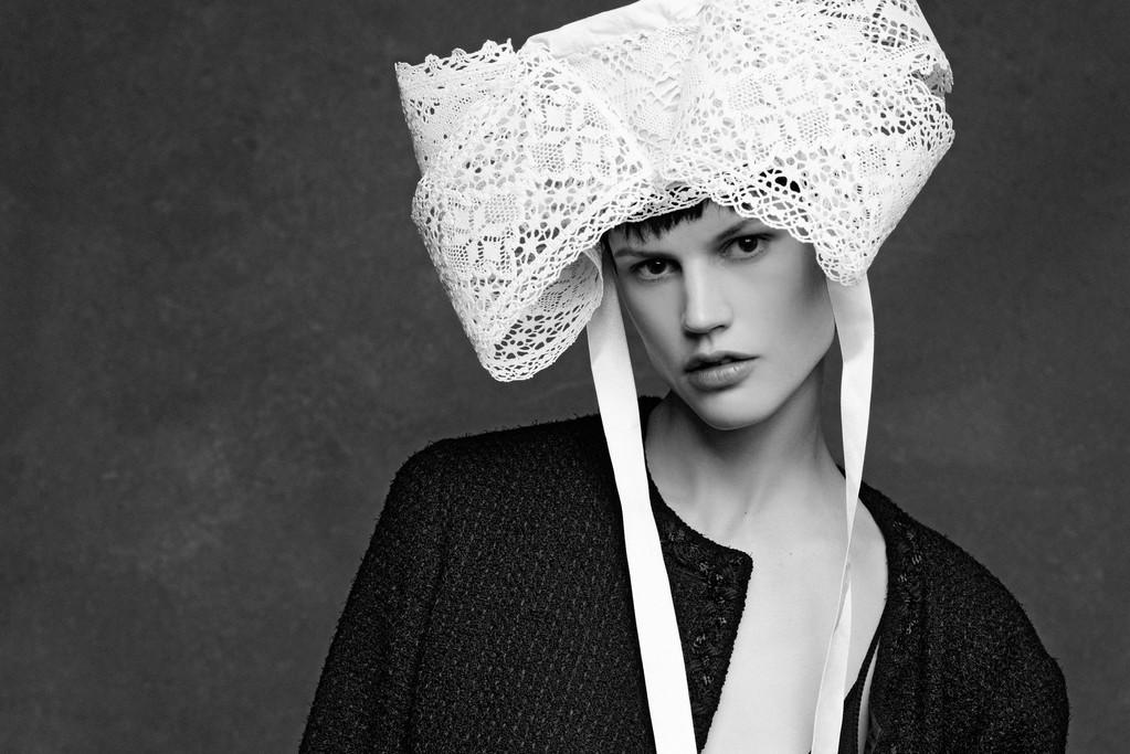 Saskia de Brauw in a Chanel jacket.