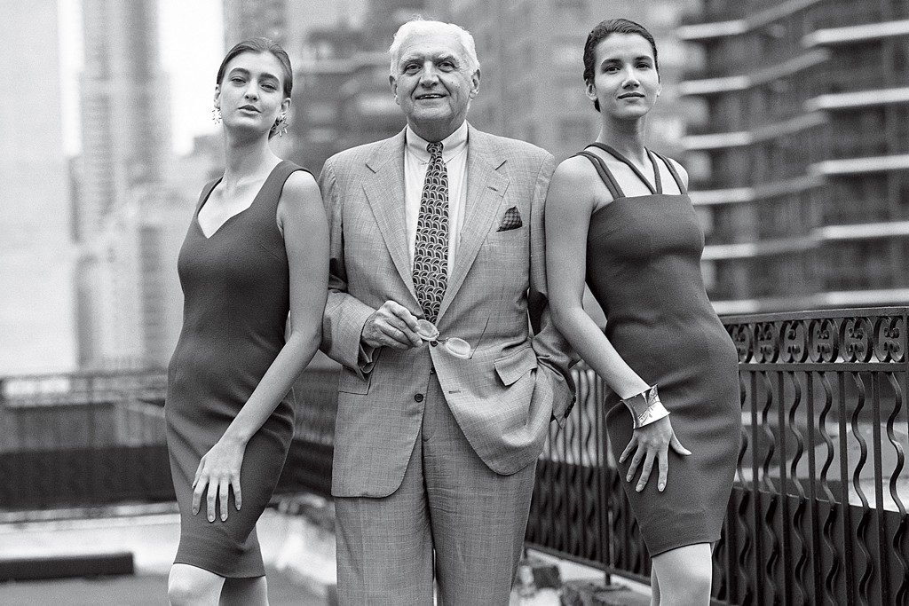 Posing with models for Bloomingdale's Spanish promotion in 1990.