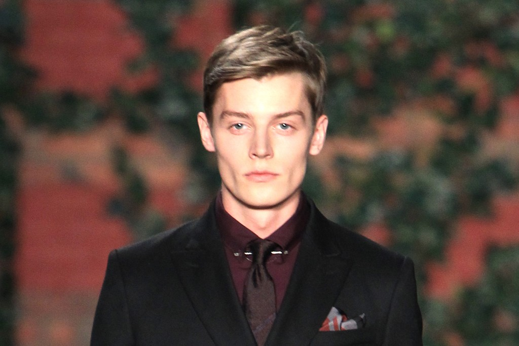 MILITARY DRESS: Tommy Hilfiger Men's RTW Fall 2012