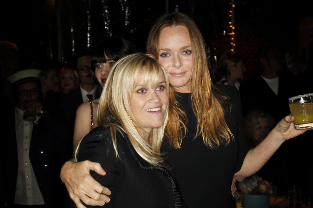 Reese Witherspoon in Stella McCartney with the designer.