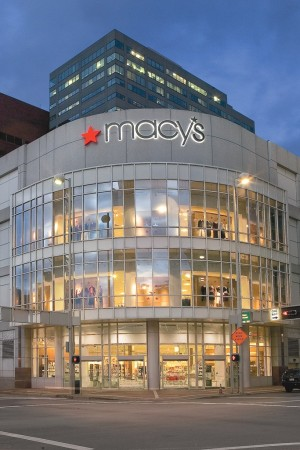 The view outside the Macy's store.
