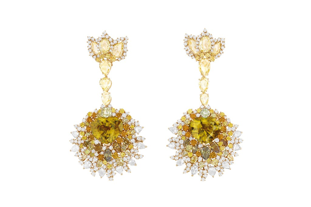A pair of earrings from Dior Joaillerie's Dear Dior collection.