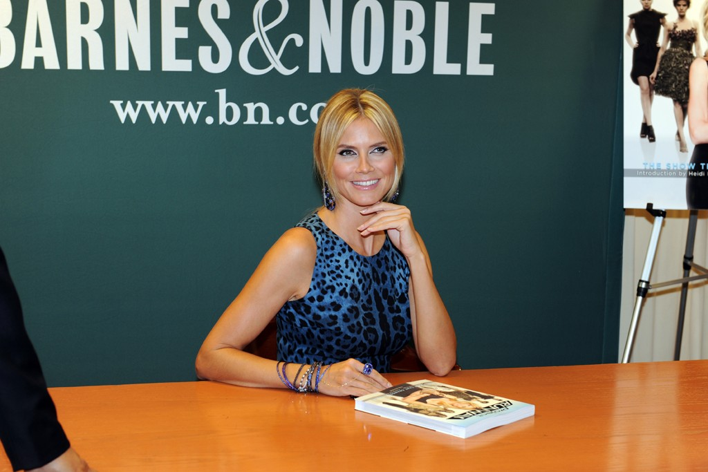 """Heidi Klum signed copies of her """"Project Runway: The Show That Changed Fashion,"""" book at a midtown Barnes & Noble."""