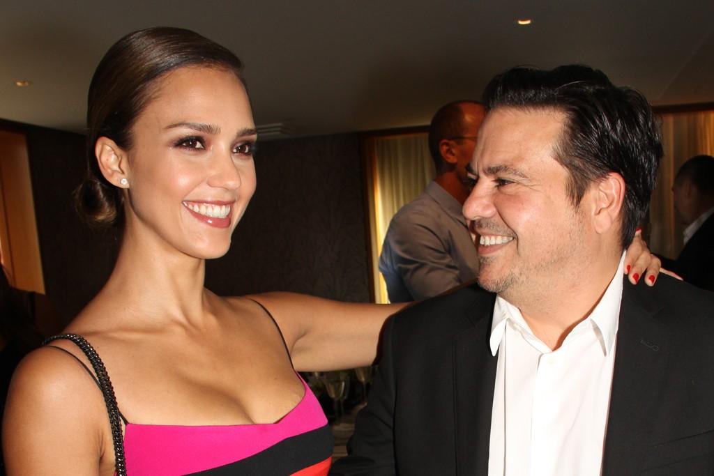 Jessica Alba in Narciso Rodriguez with the designer.