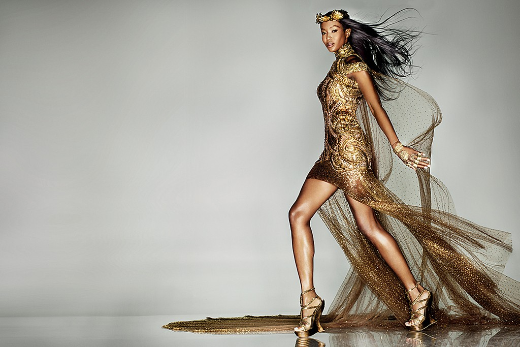 Naomi Campbell walked the catwalk at the closing ceremony.