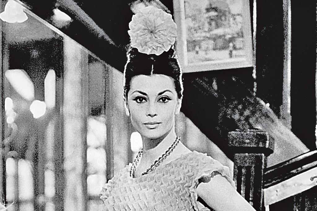 1960s: Chloé brings young Left Bank designers including Christiane Bailly, Tan Giudicelli, Graziella Fontana, Maxime de la Falaise and Karl Lagerfeld into its studio.