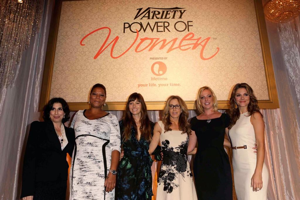 Sue Kroll, Queen Latifah, Jessica Biel in Gucci, Felicity Huffman, Katherine Heigl and Maria Menounos in Michael Kors.