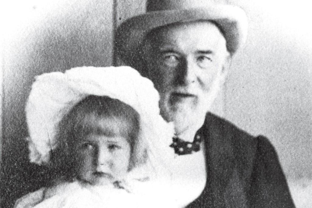 George R. Renfrew with his granddaughter, Olga, in 1895.