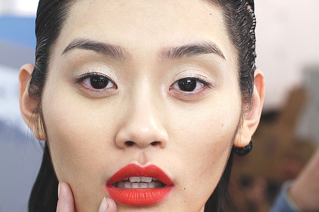 Ming Xi is signed with Elite.
