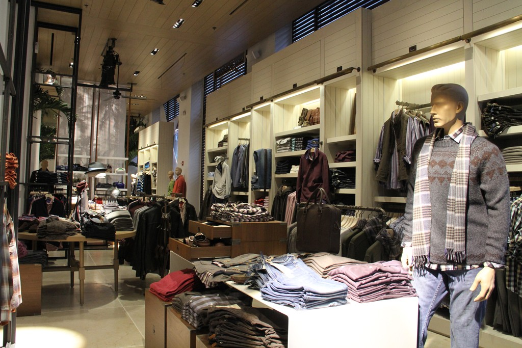 The interior of the Tommy Bahama store.