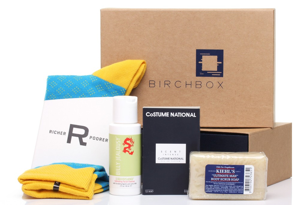 Birchbox Man offers monthly samples of grooming supplies and accessories.