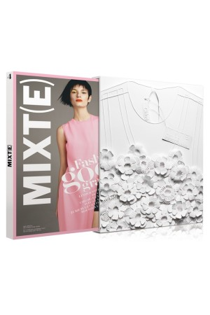 The collector edition of the spring issue of Mixt(e) magazine featuring Sabrina Transiskus' interpretation of Chloé.