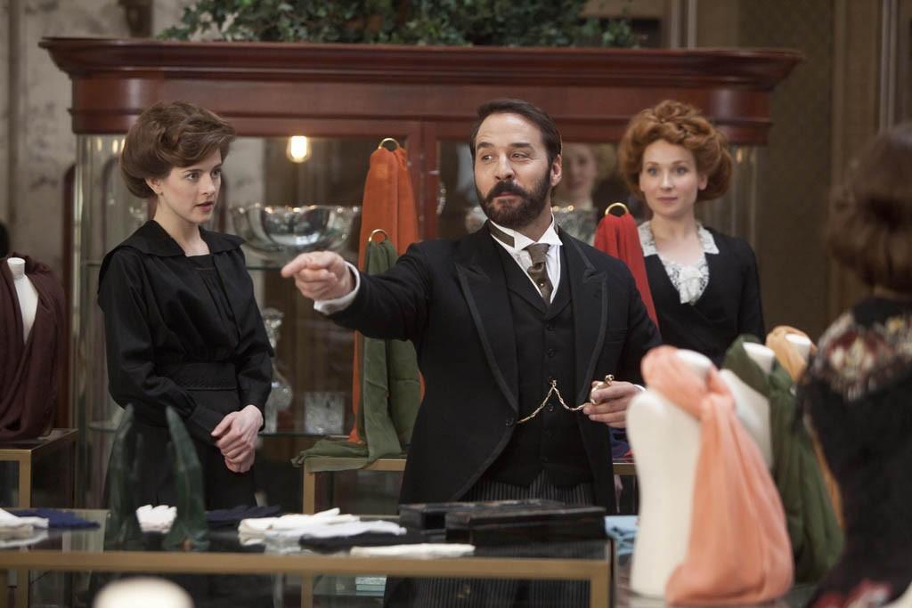 Jeremy Piven as Harry Selfridge and Aisling Loftus as Agnes.