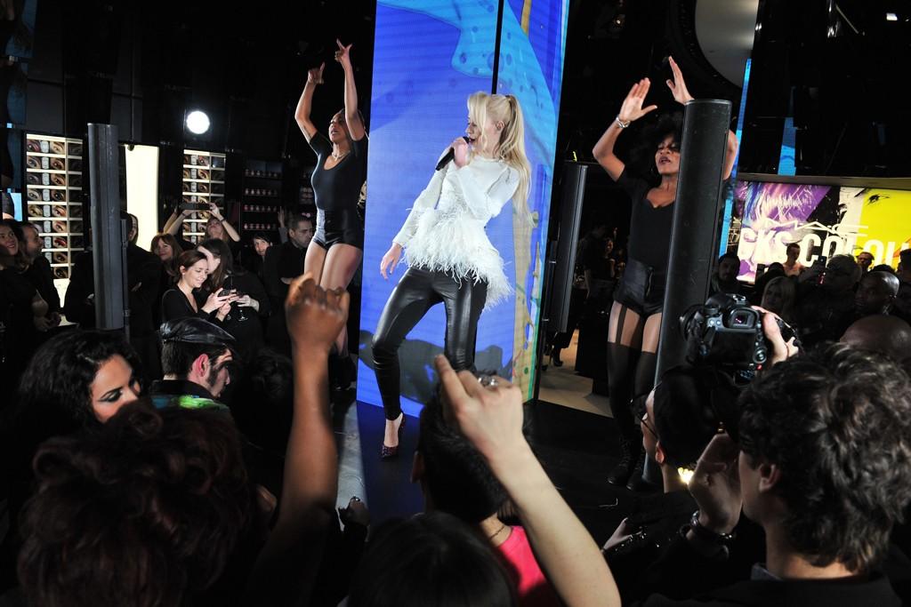 Australian rapper Iggy Azalea performing at the MAC party in Paris.