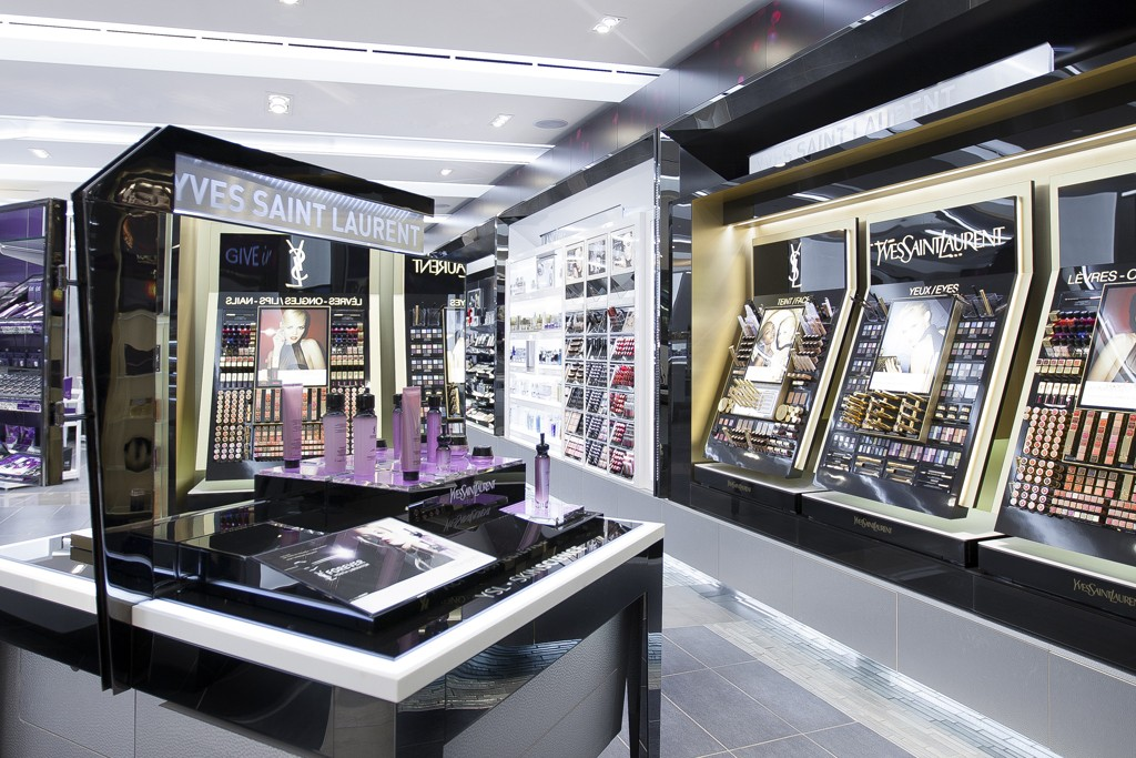BeautyBoutique by Shoppers Drug Mart in Toronto's Bayview Village shopping center.
