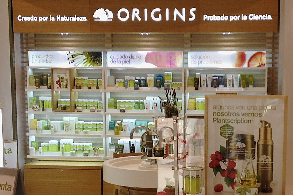 Origins has opened its first department store counter in Mexico.