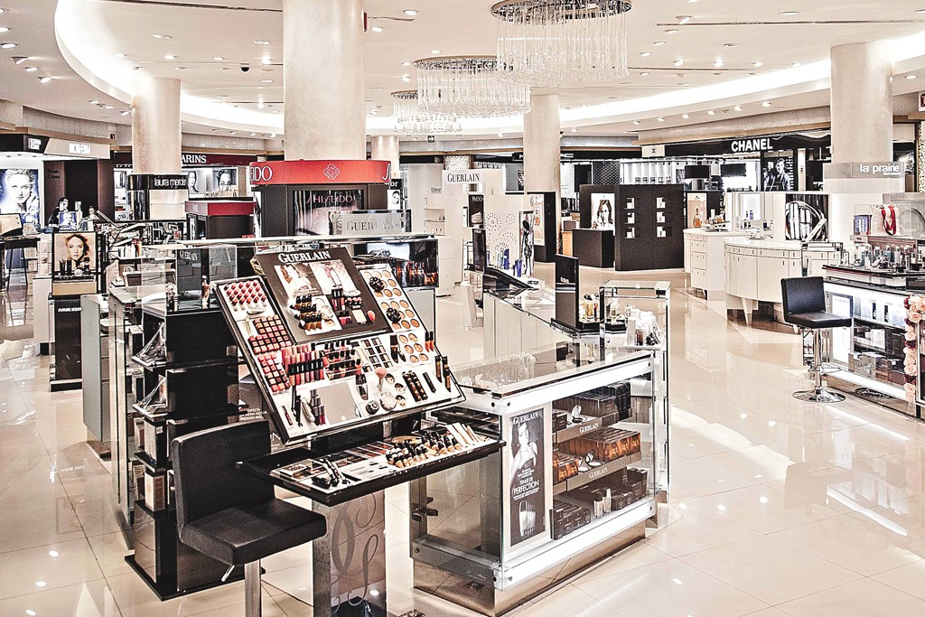 The beauty floor in the Perisur store.
