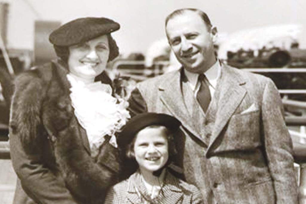 Theresa and Edgar with daughter Dorothy at age seven.