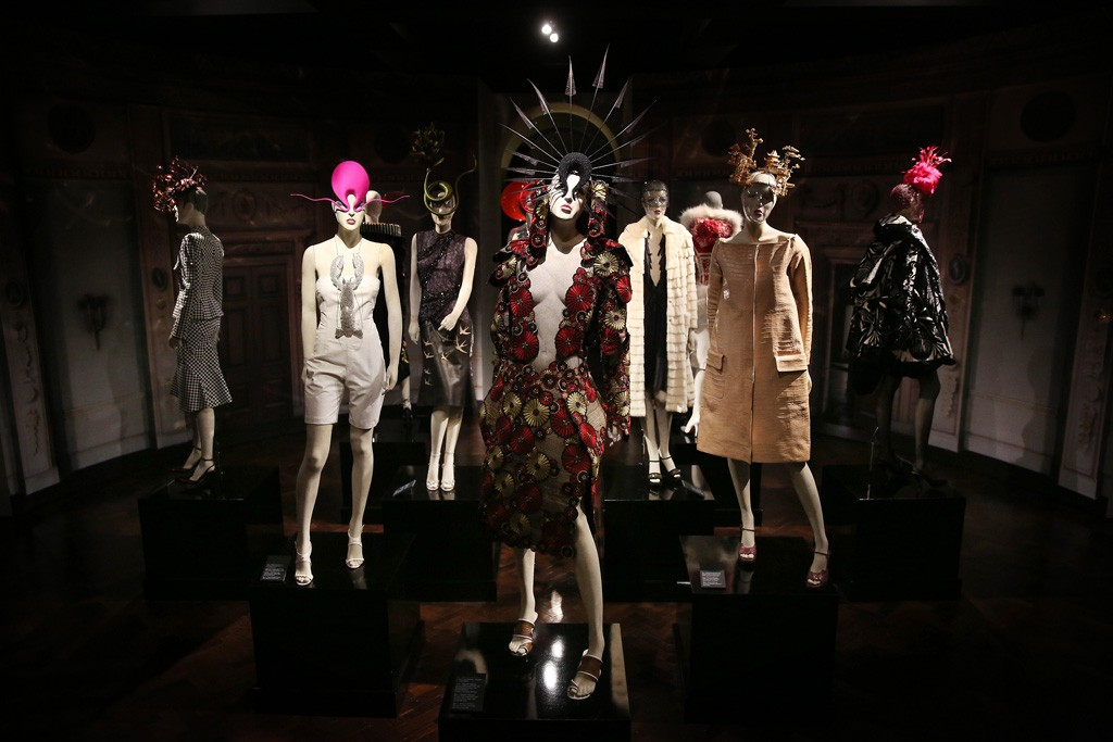 Looks from the Isabella Blow exhibit.