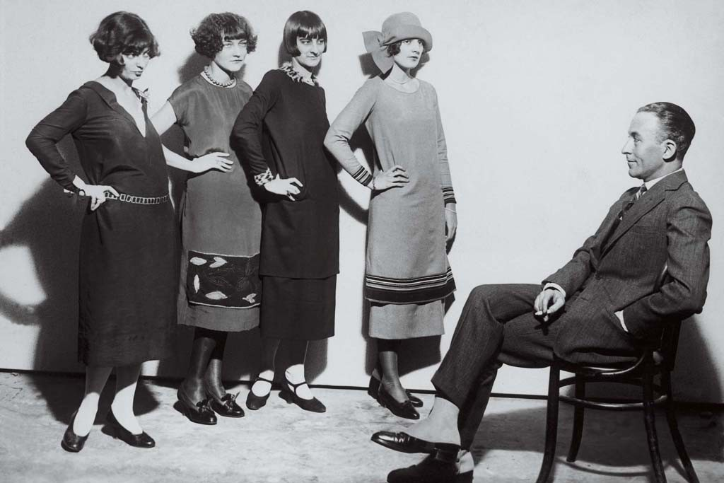 Jean Patou with models, 1924.