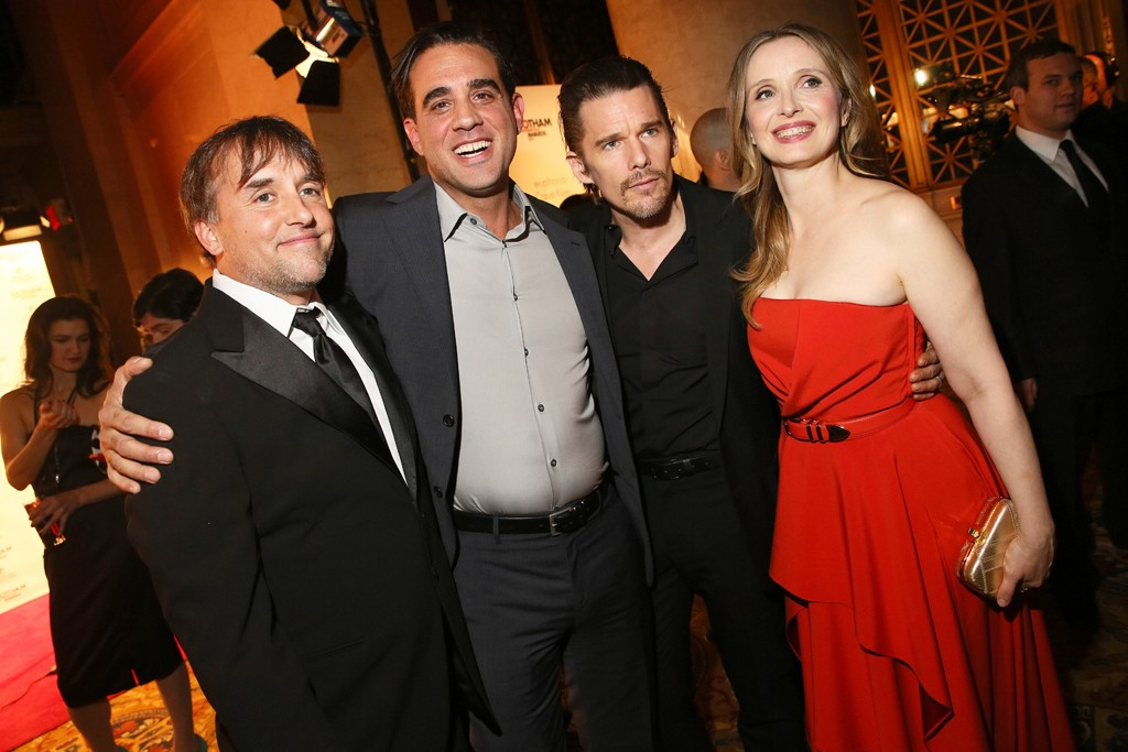 Richard Linklater, Bobby Cannavale and Ethan Hawke with Julie Delpy in Philosophy di Alberta Ferretti.