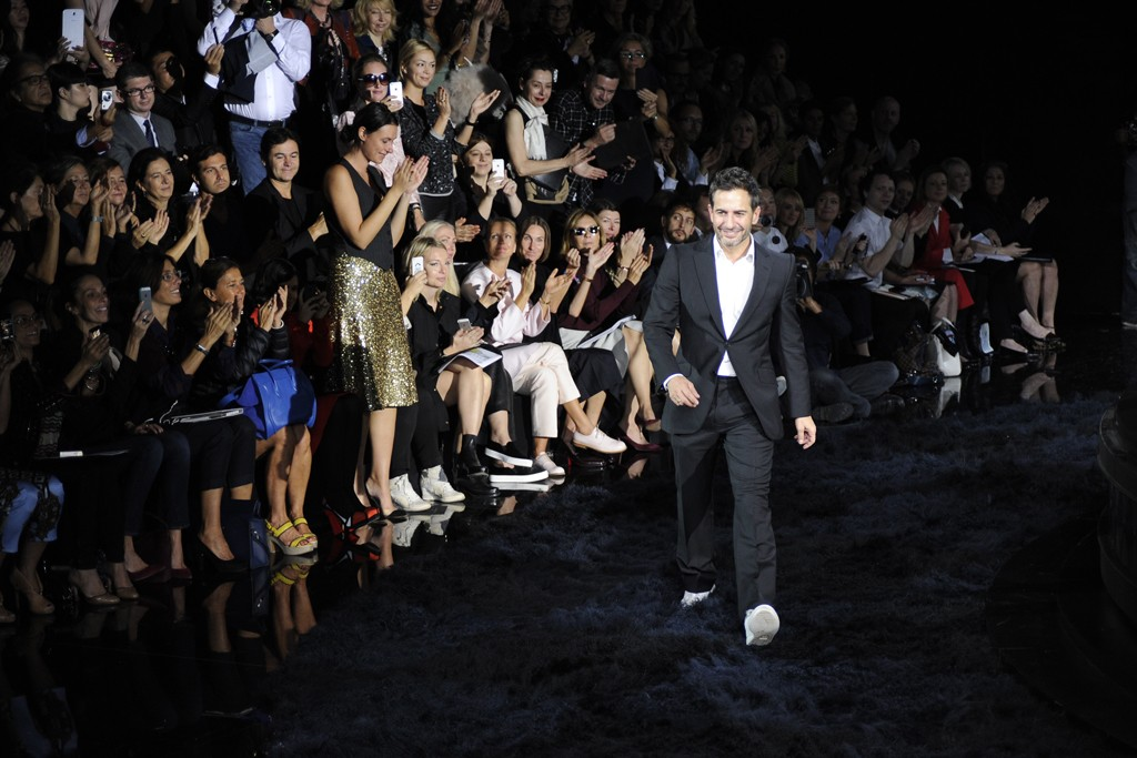 Marc Jacobs takes a bow after Louis Vuitton RTW Spring 2014.