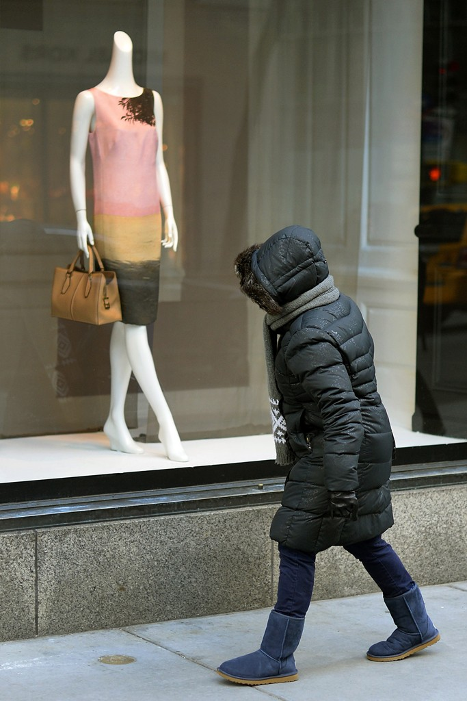 Blasts of wintry weather late in the month contributed to a mediocre performance for retail sales in February.