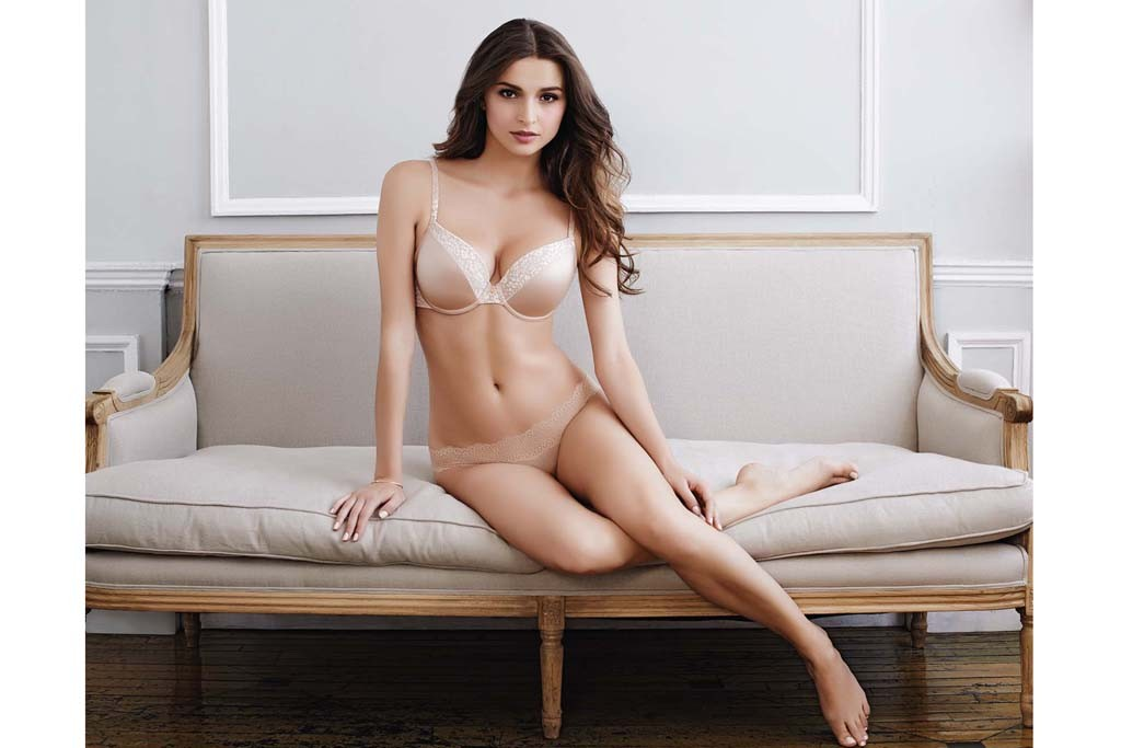 Le Mystère's cleavage-enhancing bra and bikini.