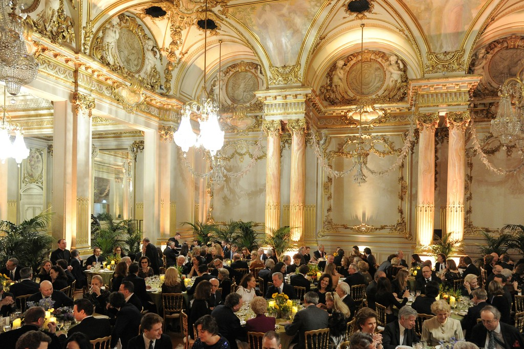 The dinner scene at the Musée d'Orsay.
